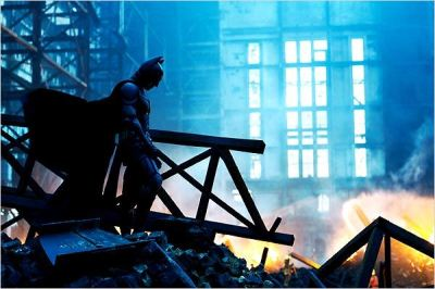 Le Batman de Christopher Nolan : moderne, technologique, glacial.