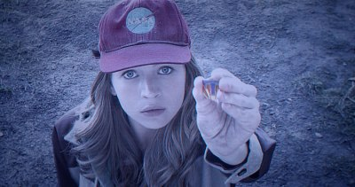 Casey Newton (Britt Robertson), une héroïne espiègle, surdouée et optimiste.